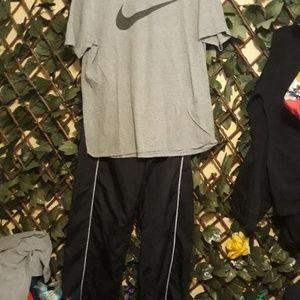 Nike jogger t-shirt combo